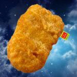 Kipnugget lovers opgelet. McDonalds brengt een kipnugget kussen op de markt!